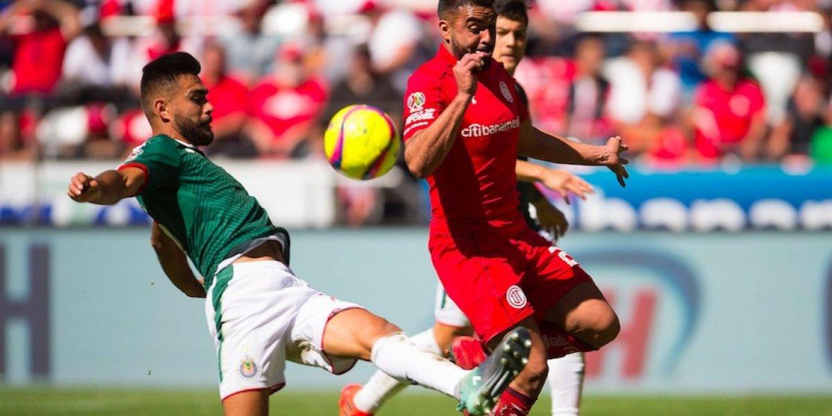 Chivas se trajo un punto de su debut en Toluca