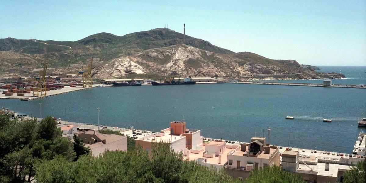 Autoridades prohíben ingreso al mar en Cartagena por fuerte oleaje