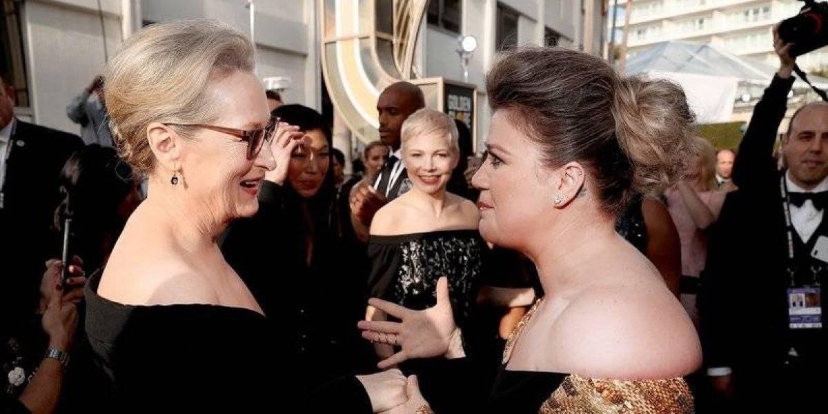 Kelly Clarkson enloquece al conocer a Meryl Streep en los Globos de Oro