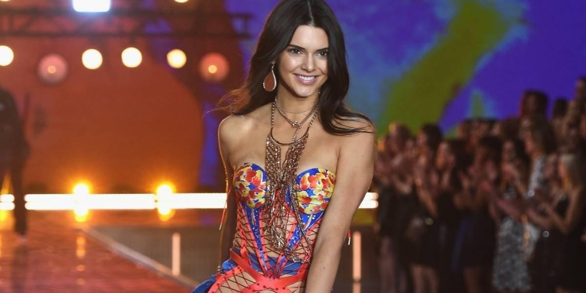 Kendall Jenner asiste a los Golden Globes y los usuarios resaltan un terrible detalle