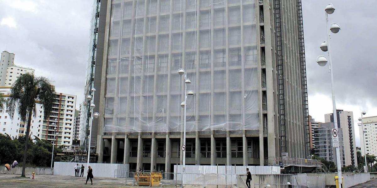 Reforma do prédio da Prefeitura de Santo André continua inacabada