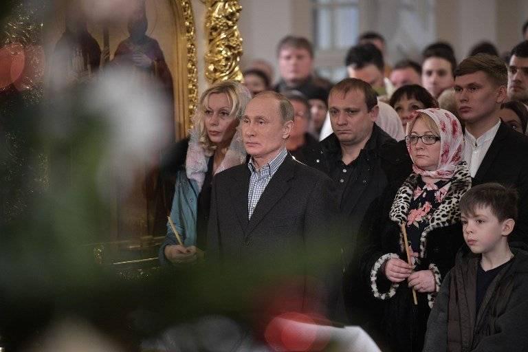 Vladimir Putin celebra la Navidad ortodoxa