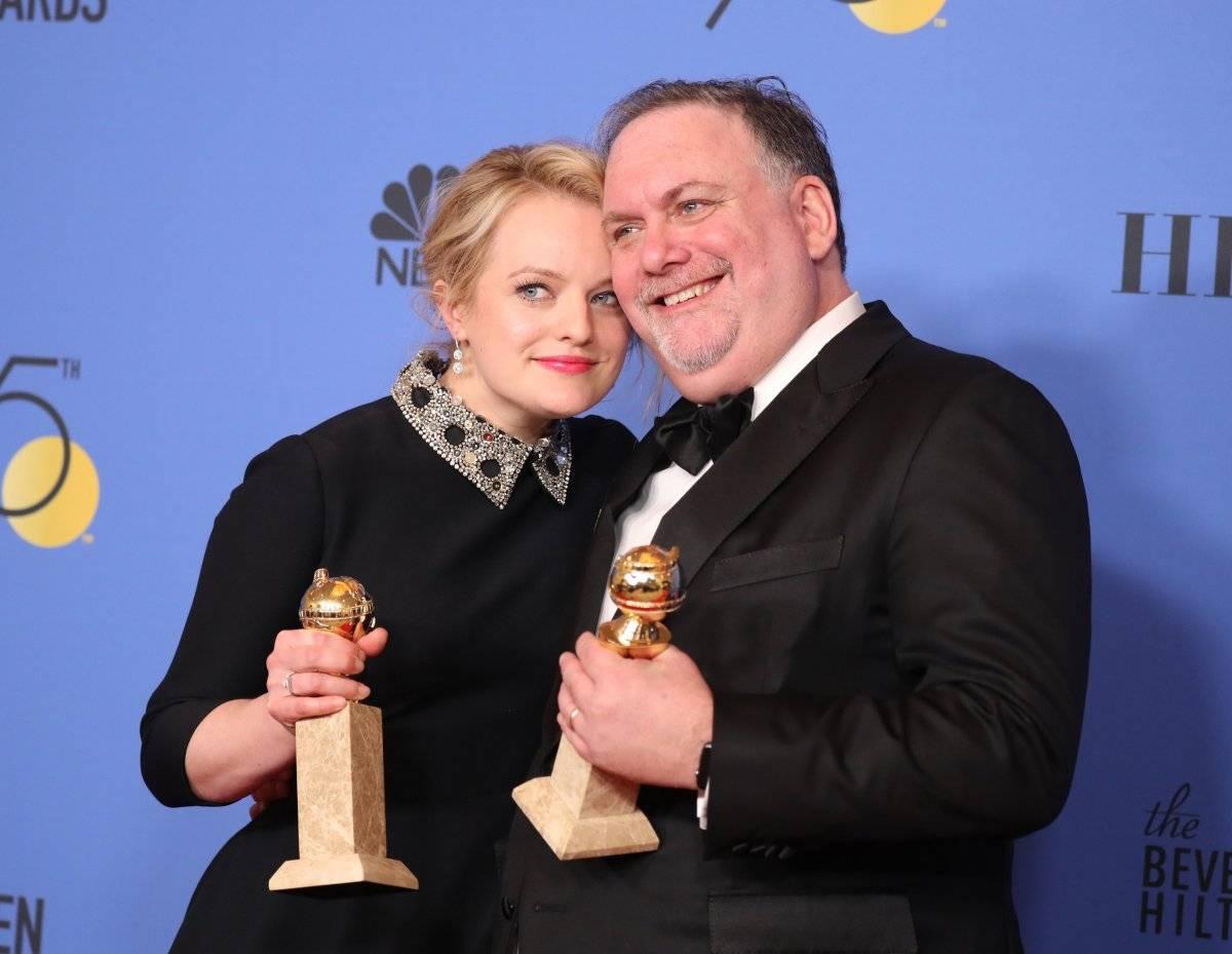 """Elisabeth Moss levou o prêmio como melhor atriz em série de drama por """"The Handmaid's Tale"""", que também ganhou como melhor série de drama REUTERS/Lucy Nicholson"""