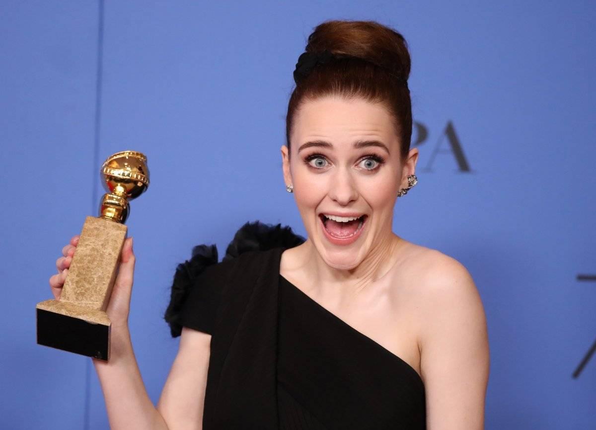 """Rachel Brosnahan venceu como melhor atriz em série de comédia ou musical por """"The Marvelous Mrs. Maisel"""", que também levou o prêmio de melhor série de comédia ou musical REUTERS/Lucy Nicholson"""