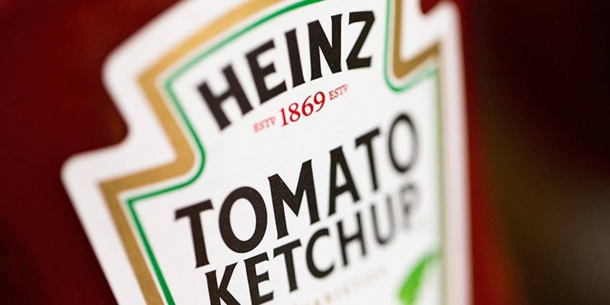 Encuentran bolsas de salsa de tomate en estómago de mujer