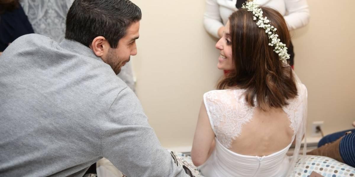 Novia decidió revelar los ardientes chats de su prometido y la amante en plena boda