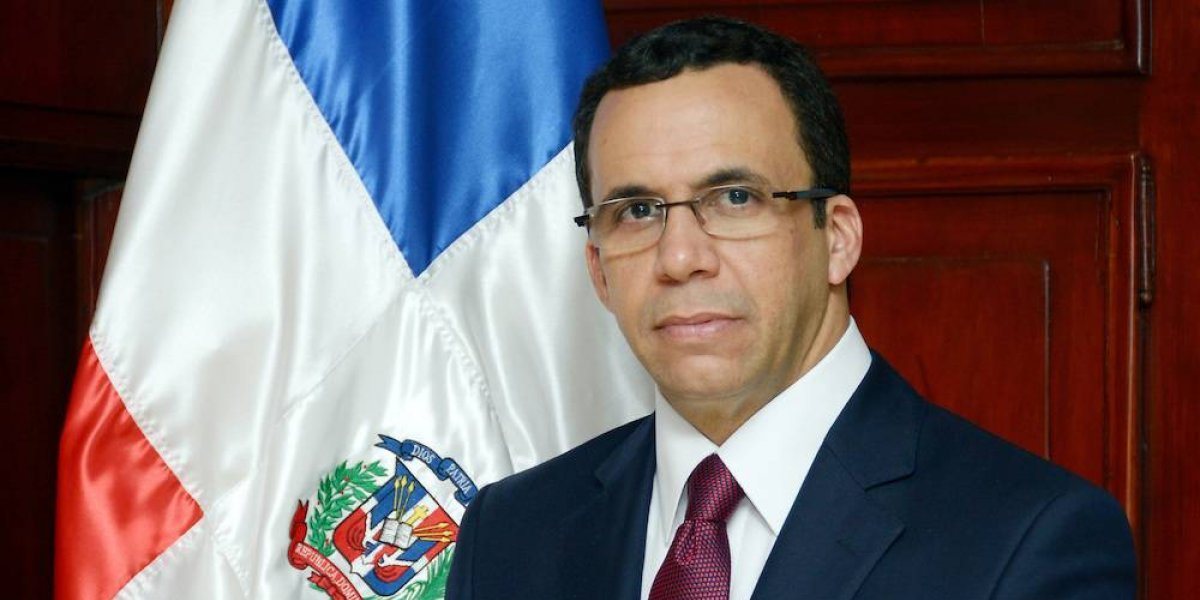 Andrés Navarro dice tener aspiraciones presidenciales