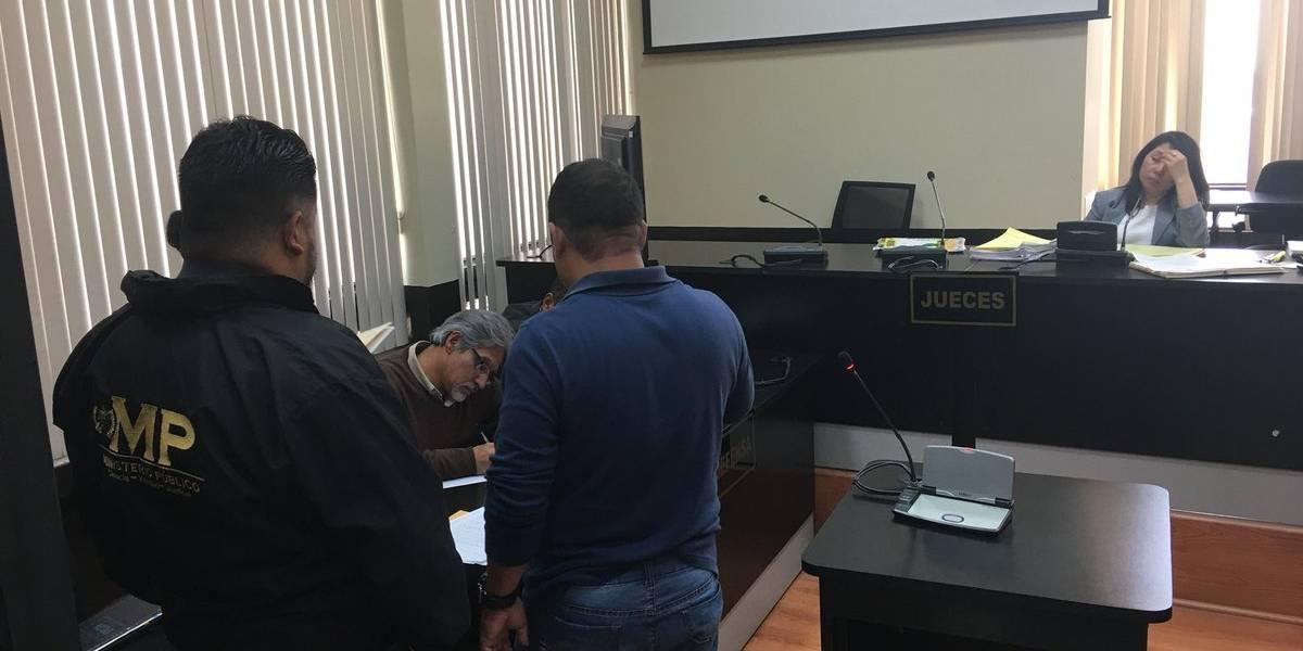 Una prueba de escritura en la Torre de Tribunales