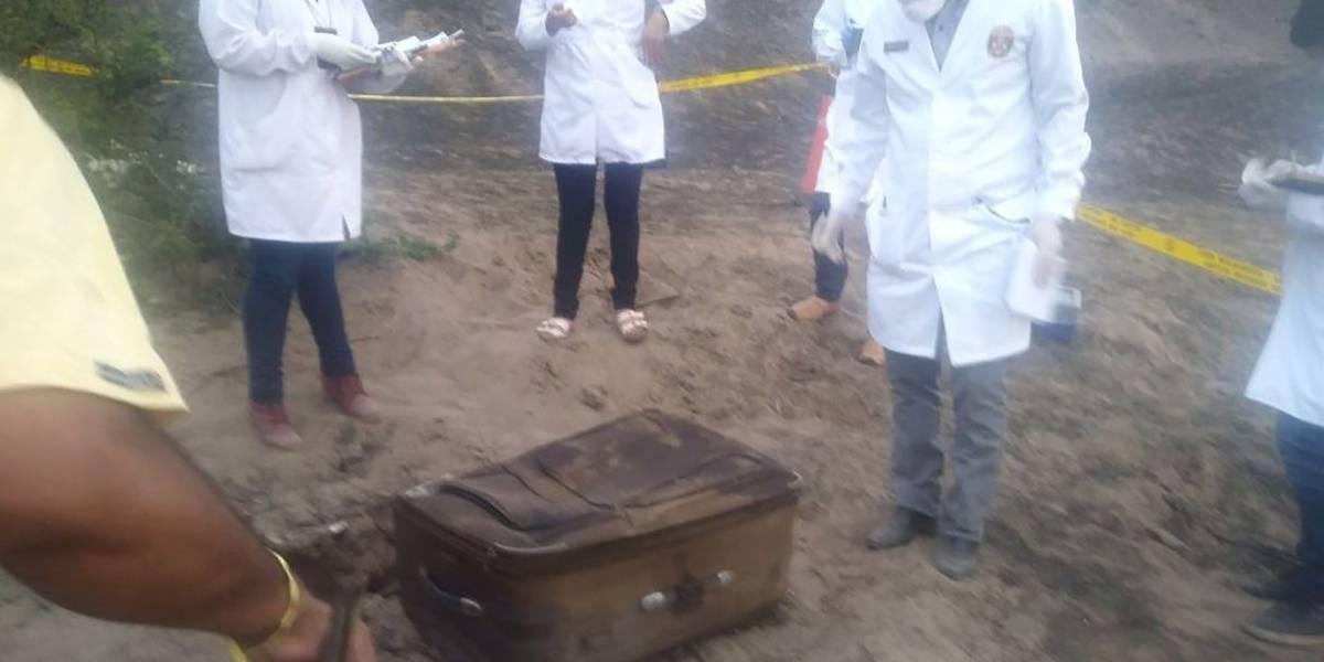 Hallan cuerpo de mujer carbonizado en maleta — Pasamayo