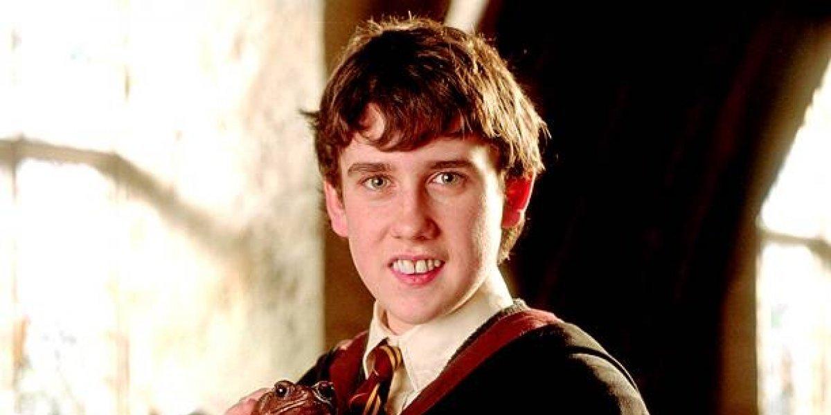 Actor de Harry Potter deleita a sus fans al quitarse la ropa en televisión