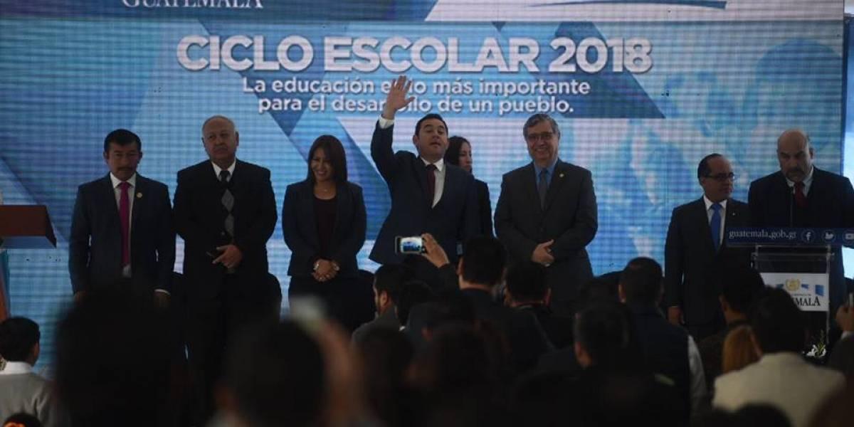 """Morales habla a estudiantes acerca del """"sueño americano"""" y del """"sueño guatemalteco"""""""