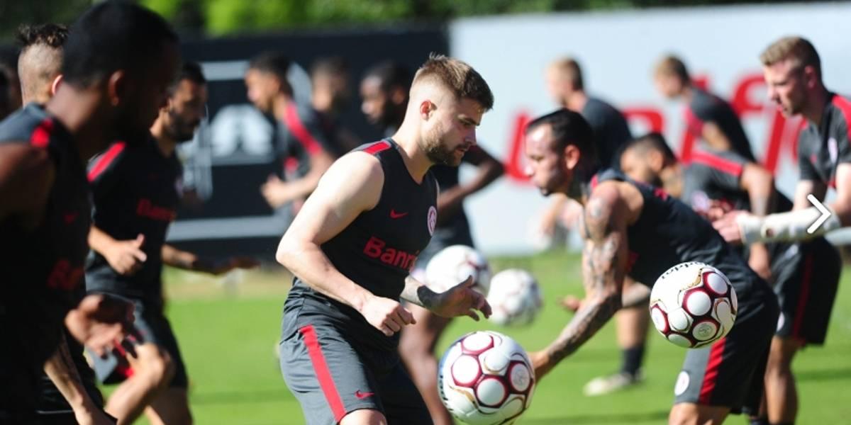 Sasha, do Inter, deve reforçar o Santos