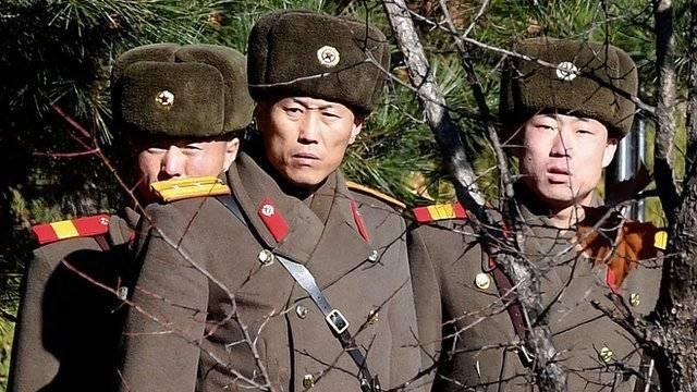 Pero la única parte en la que los soldados están permanentemente uno frente a otro es en la llamada Área de Seguridad Conjunta.  Getty Images