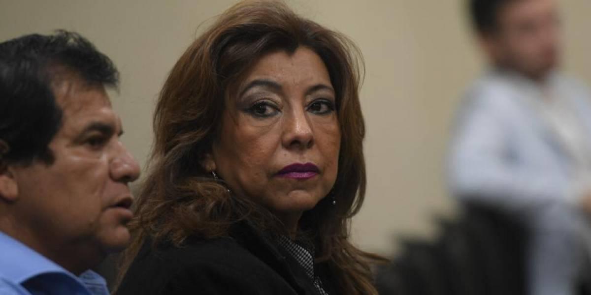 Anabella de León paga fianza de Q300 mil y ya podrá salir de prisión
