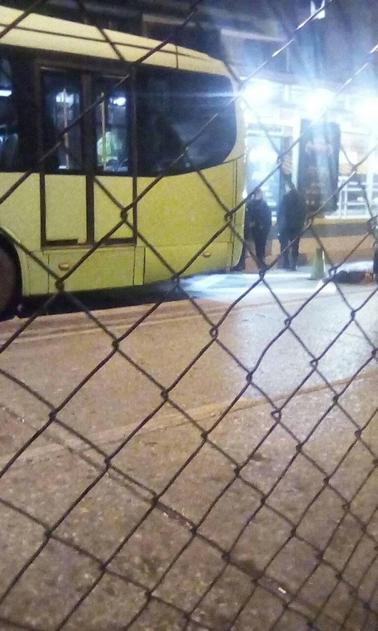 Hombre muere tras ser atropellado por Transmetro en zona 1
