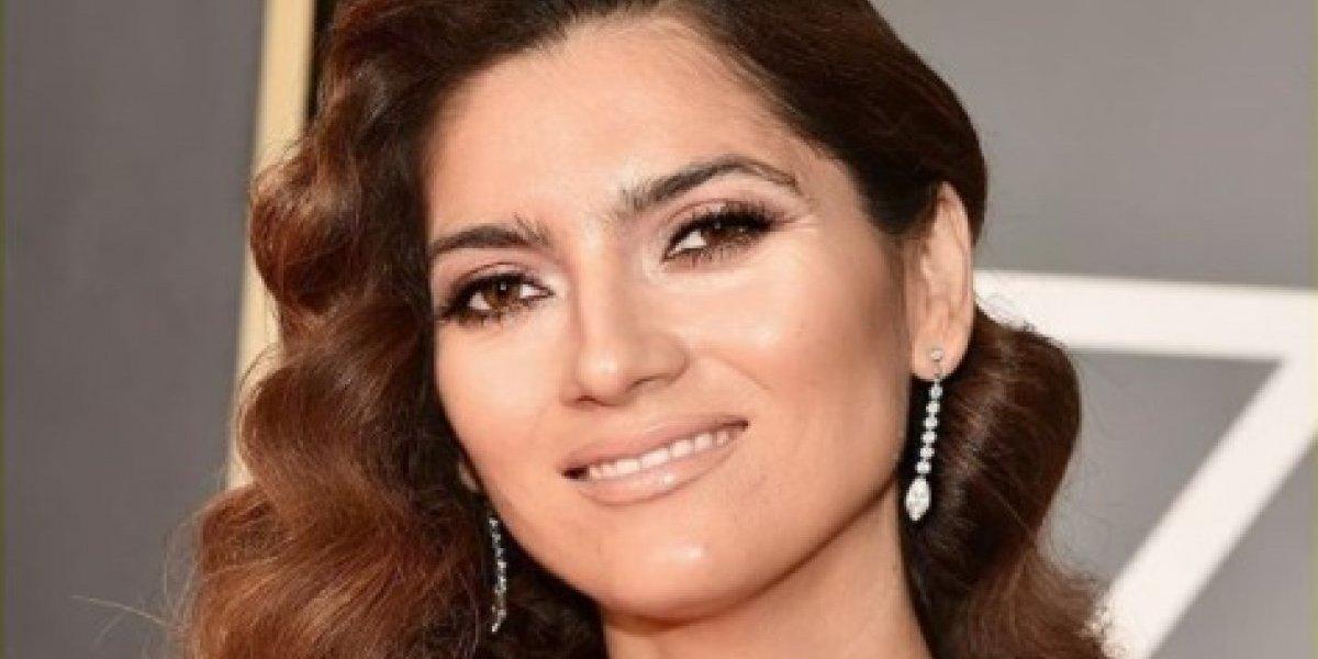 Quem é a famosa que não se vestiu de preto no Globo de Ouro 2018?