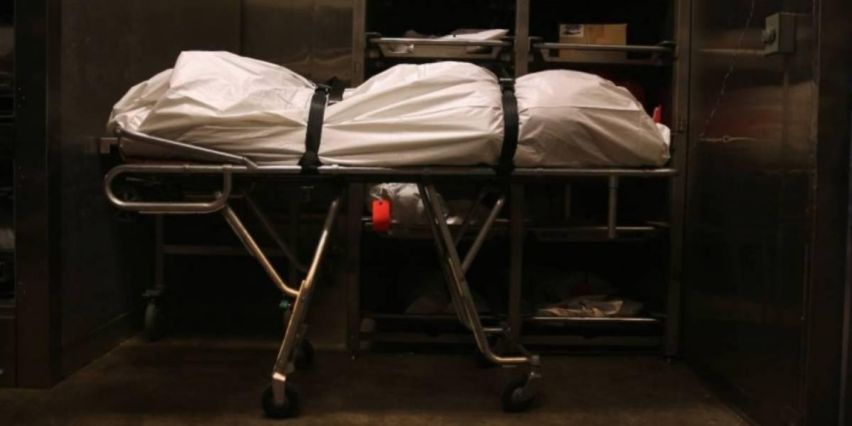 """Trabajador de una morgue fue despedido luego de que descubrieran que tuvo sexo con el cadáver de una estrella de TV del """"gran hermano"""" ruso"""