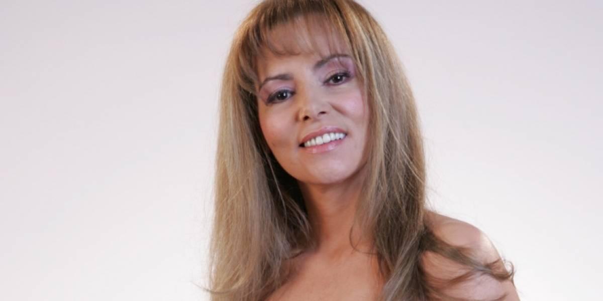 """(Video) María Auxilio Vélez se mostró en traje de baño y la tildaron de """"antisensual"""""""