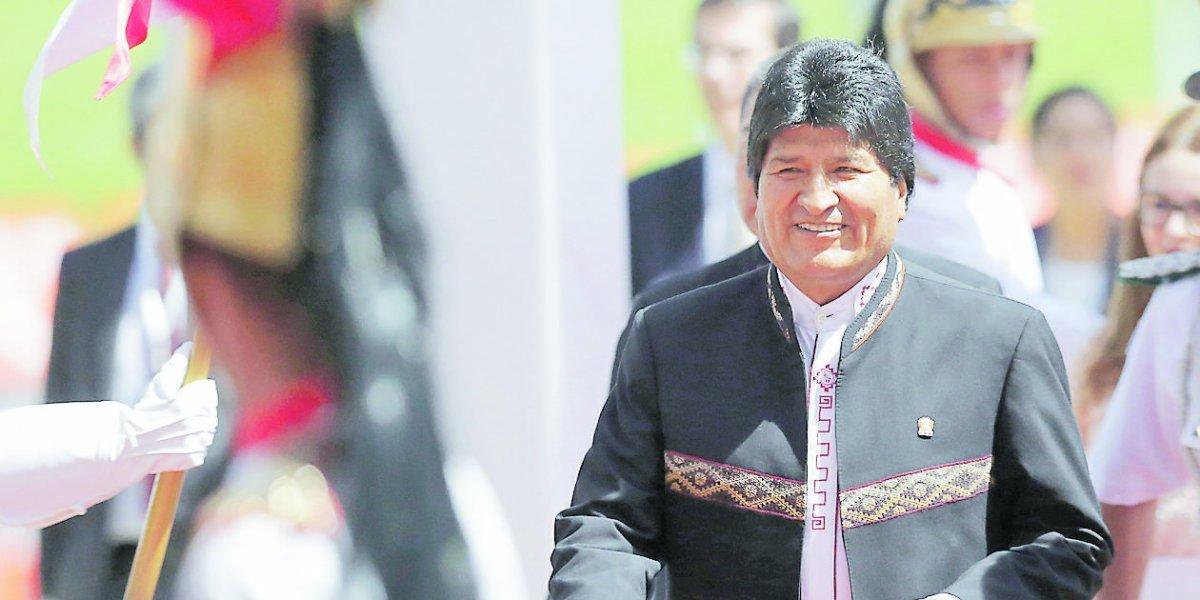 Evo Morales: un tuitero que pasó del odio al amor por las redes