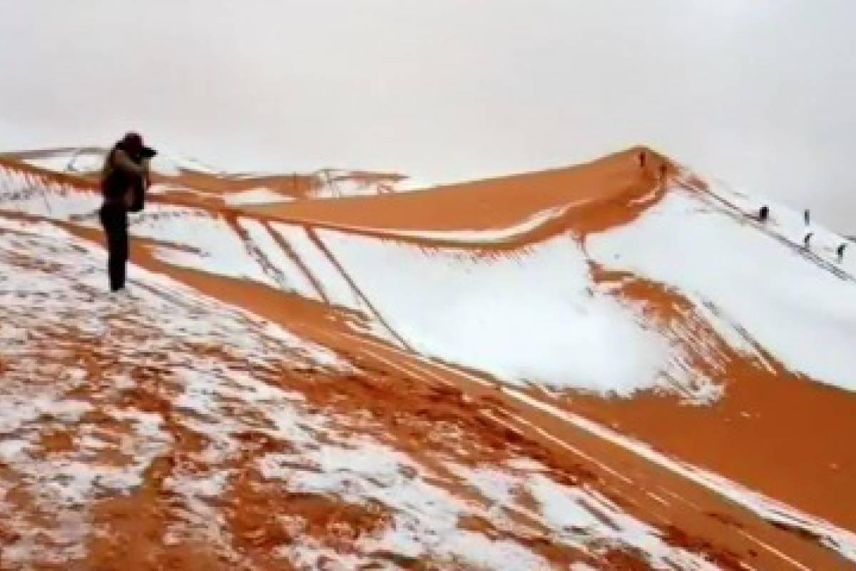 Espeso manto de nieve cubrió el desierto del Sáhara — África