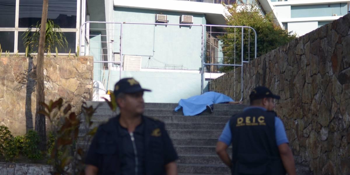 Hombre muere baleado en zona 4 tras intentar huir de sus victimarios