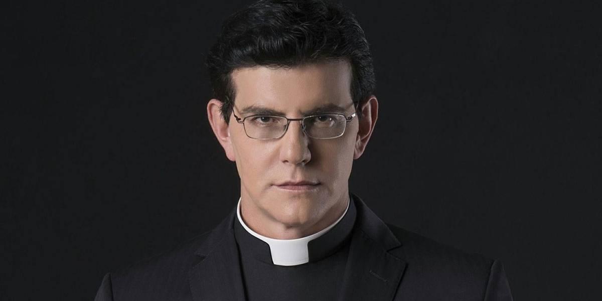 Padre Reginaldo Manzotti se defende da acusação de ter engravidado jovem