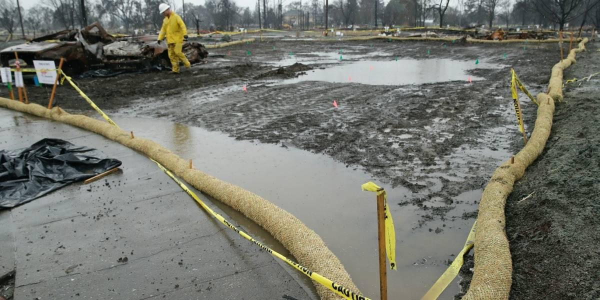 Cinco muertos debido a aludes de lodo en California