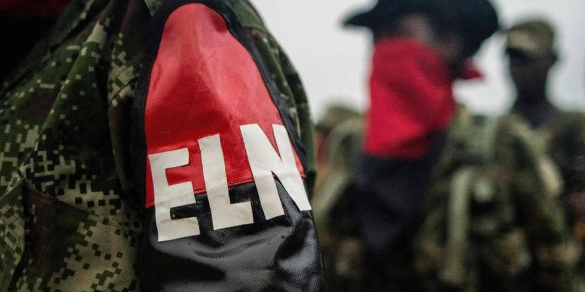"""ELN anuncia """"pronta liberación"""" de secuestrados y pide cooperación a Ejército"""