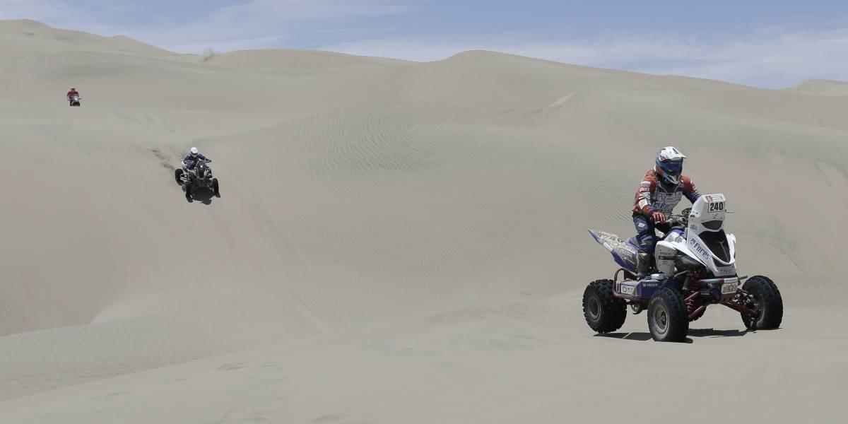 Todo para el Perro: rival de Casale en el Dakar abandonó y le dejó pista libre al chileno