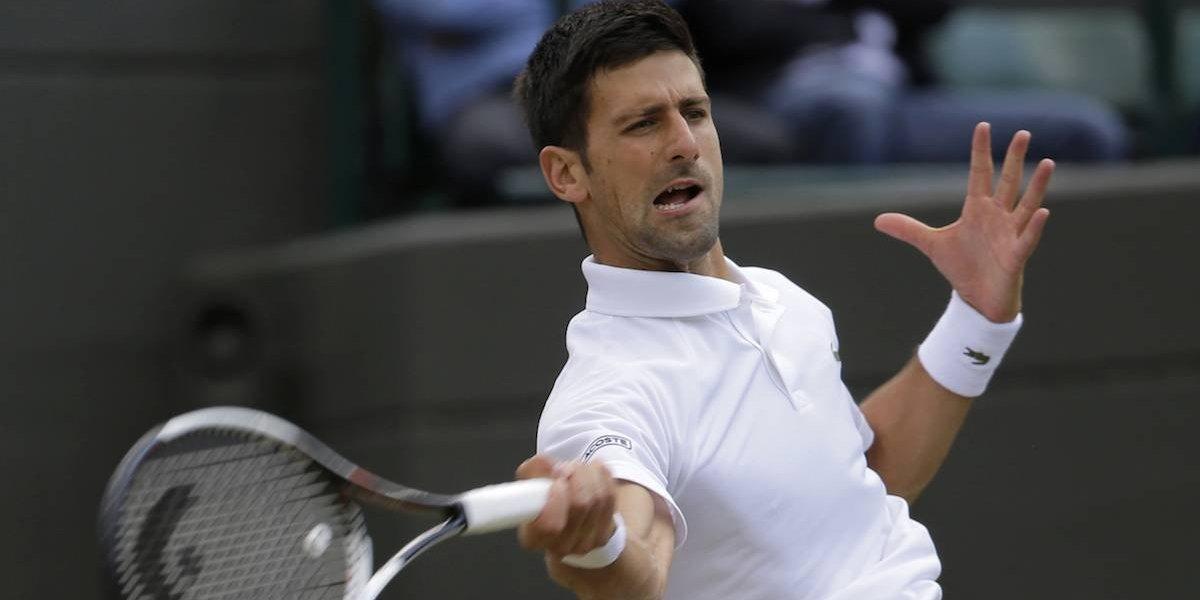 Djokovic regresa tras lesión con una contundente victoria