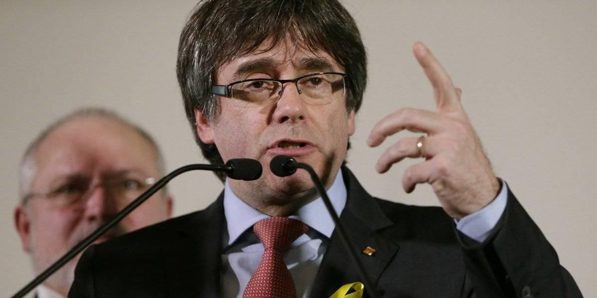 Separatistas acuerdan reelegir a expresidente catalán fugado
