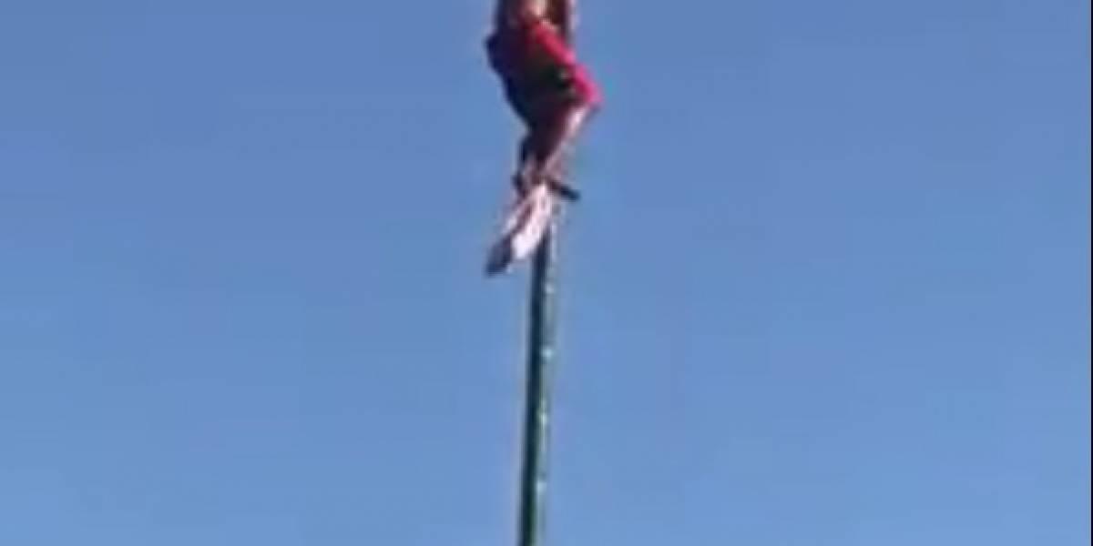 Video: Joven cae de una vara de 15 metros de altura durante un concurso