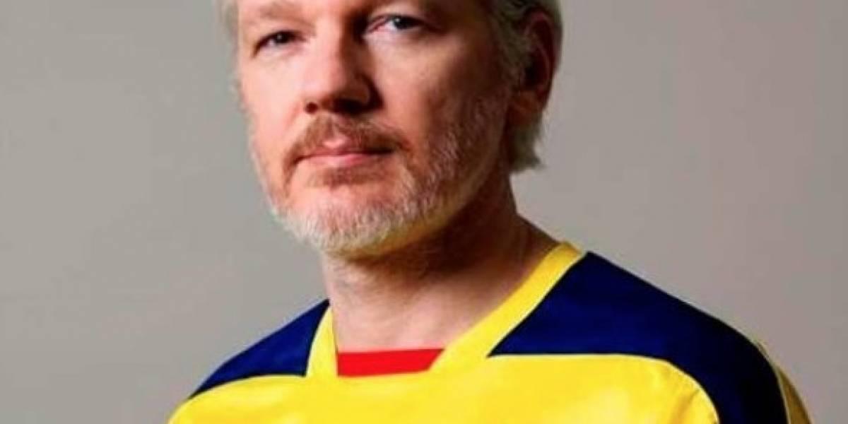 Asambleístas piden información a Canciller sobre la naturalización de Assange