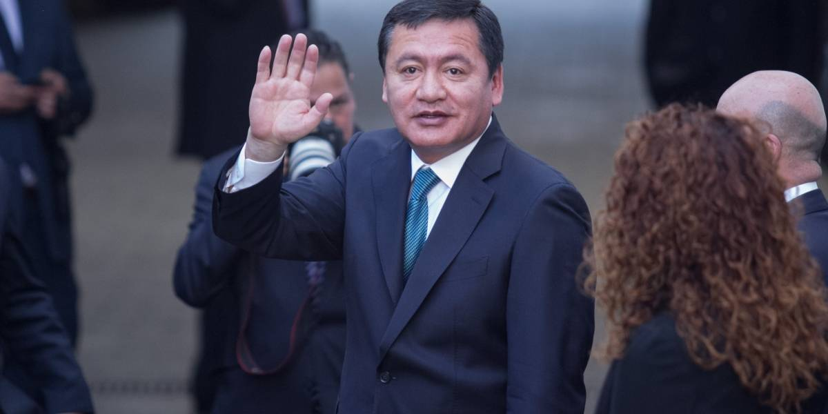 Osorio Chong confirma su salida de la Segob