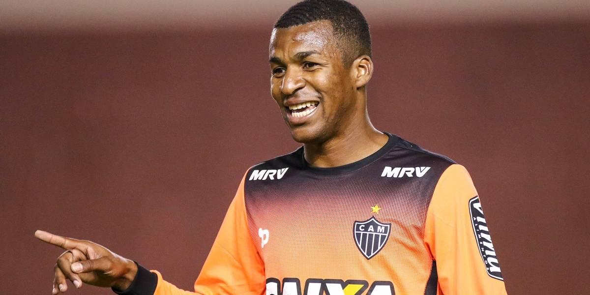 Atlético-MG anuncia empréstimo do zagueiro Erazo para o Vasco