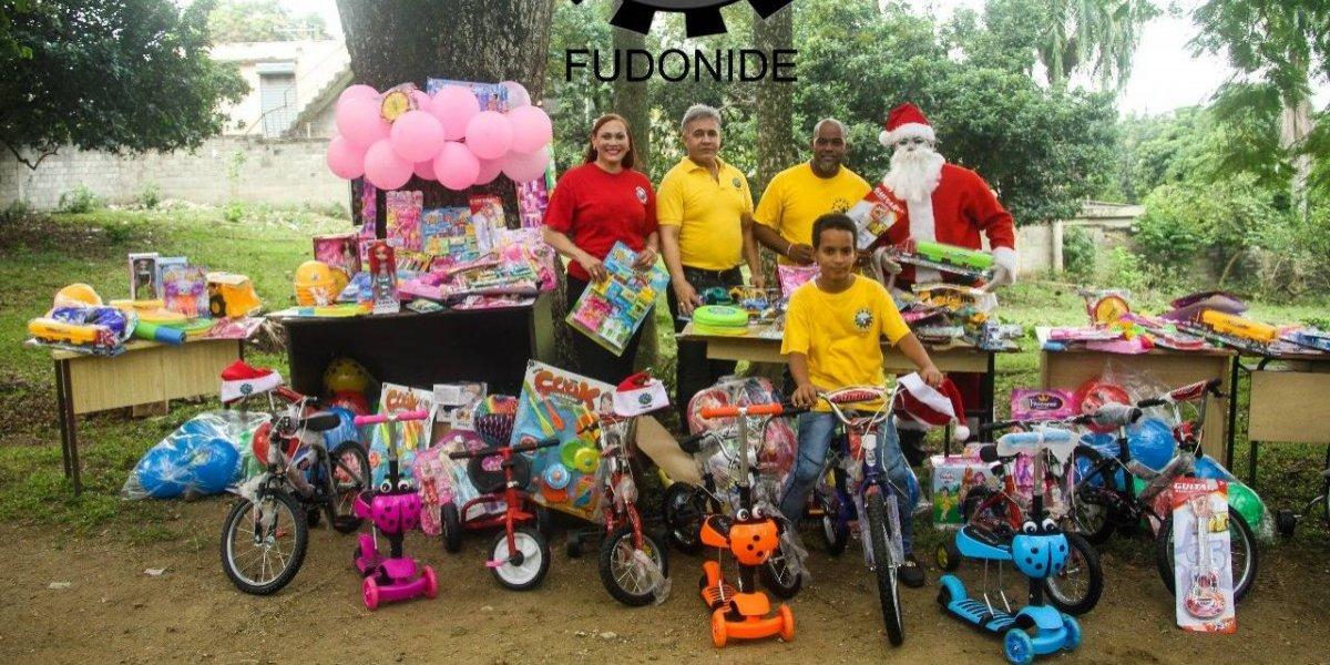 FUDONIDE regala juguetes por Día de Reyes