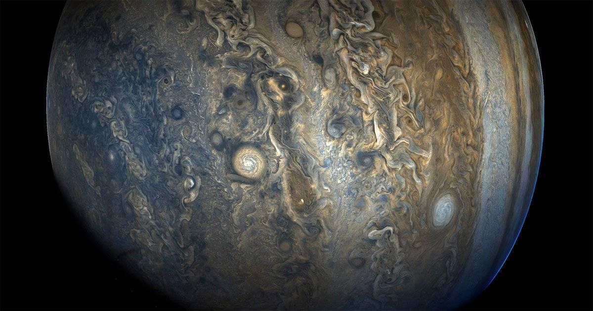 Fotos de Júpiter mostram algumas nuvens coloridas e turbulentas na parte norte do planeta em 16 de dezembro do ano passado Foto: Nasa/Divulgação