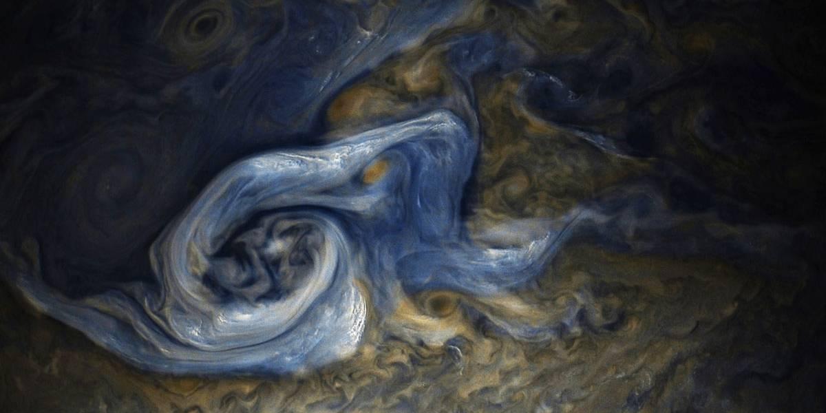 Júpiter tem núcleo de hidrogênio metálico e atmosfera muito maior do que se pensava