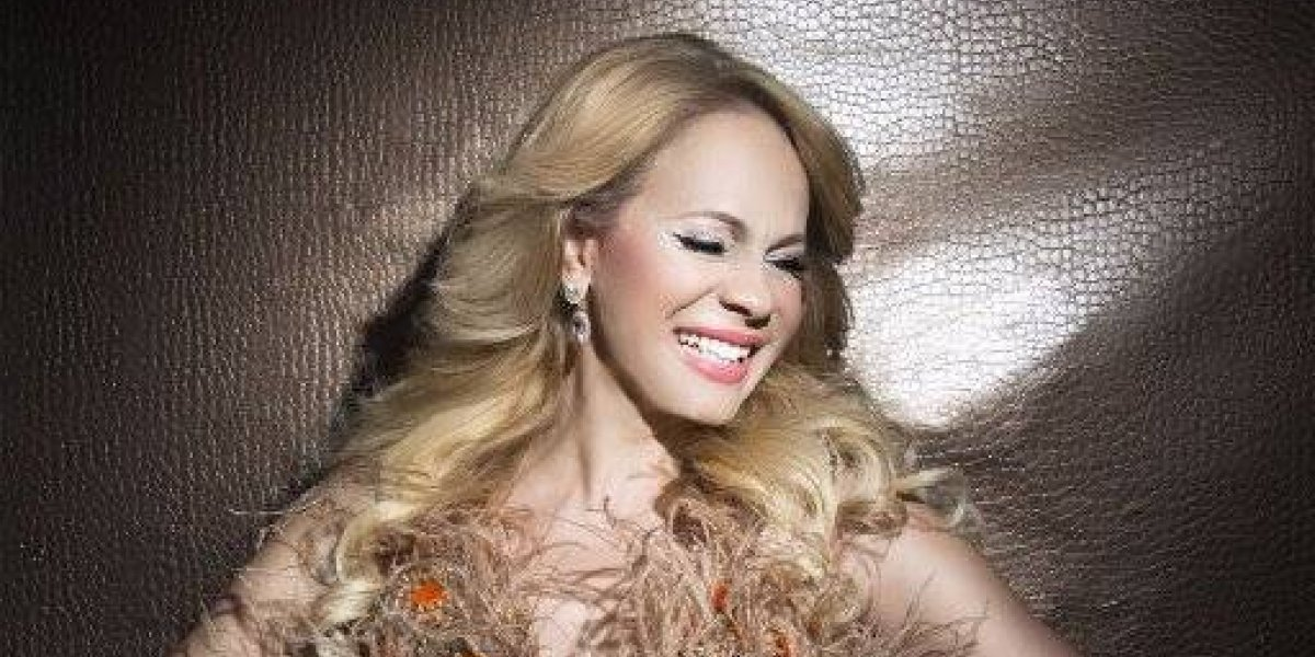 """Miriam Cruz estrena tema """"Señora"""""""