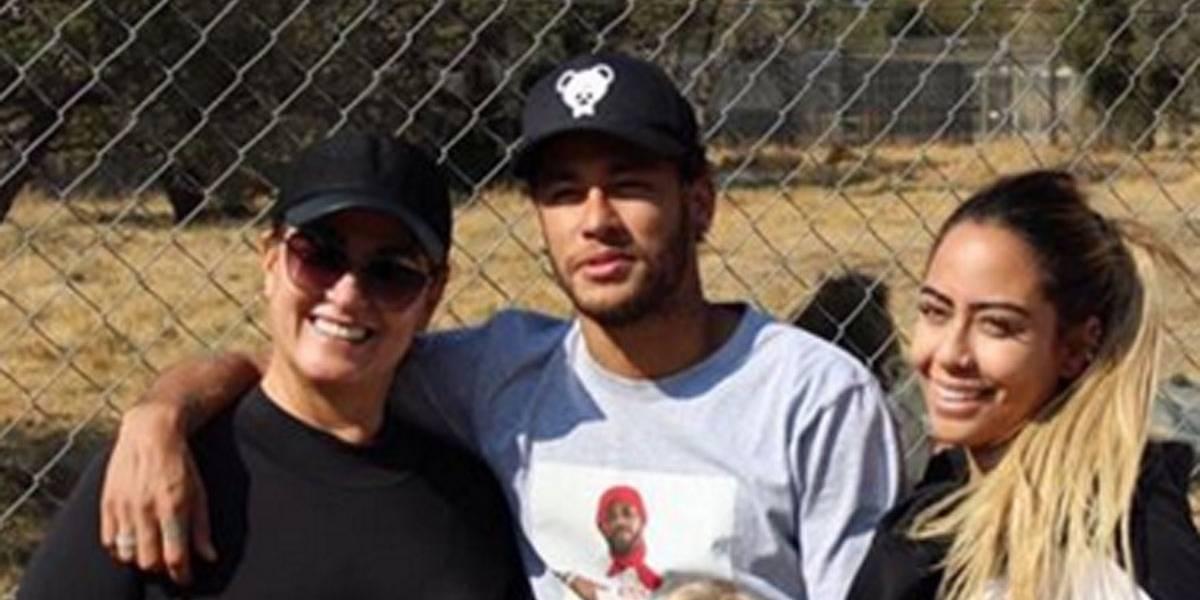 Segundo colunista, mãe e irmã de Neymar não aprovam namoro com Bruna Marquezine