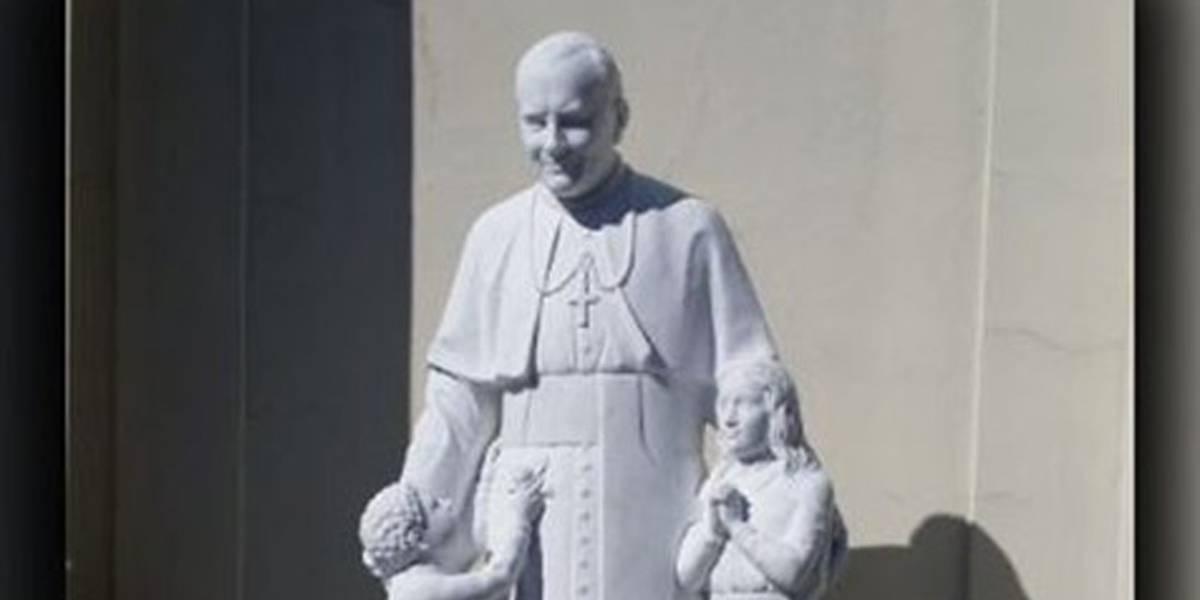 Papa João Paulo II ganha estátua em cidade dos EUA