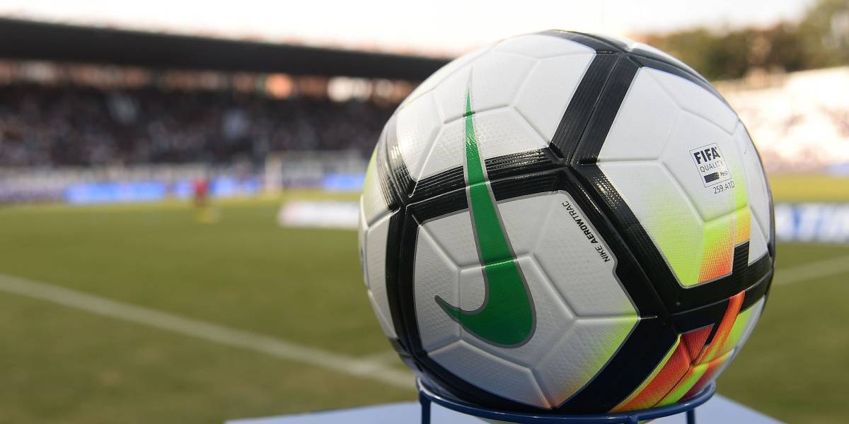Técnico es acusado de 48 cargos por abuso sexual de futbolistas