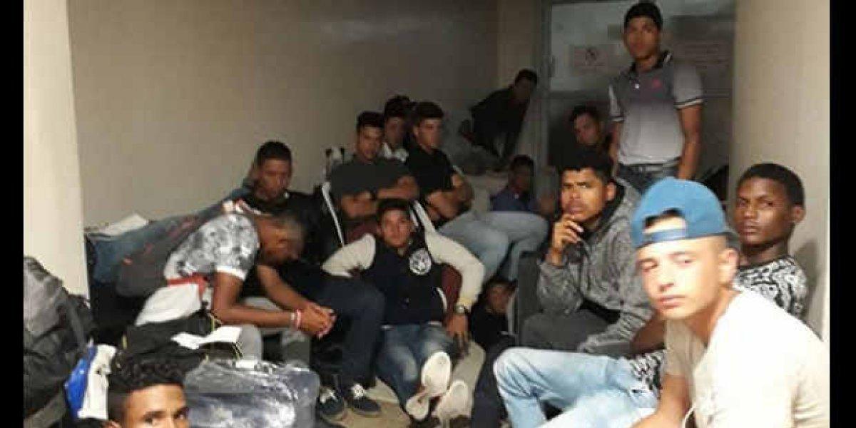 Migración impide ingreso de peloteros venezolanos