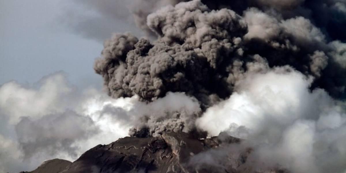Confirman la presencia de lava en cráter del Volcán Chillán
