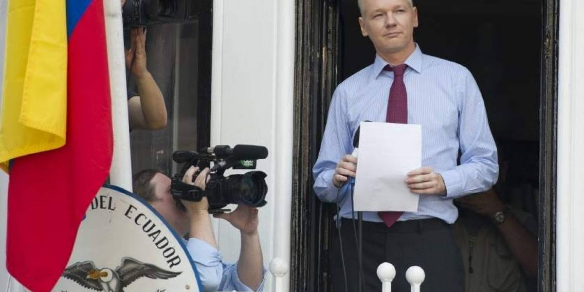 Ecuador confirma que concedió en diciembre la naturalización a Julian Assange