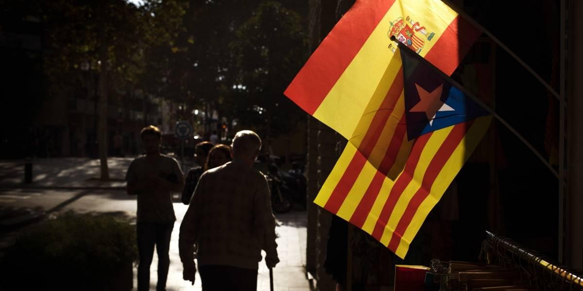 Dirigentes en Cataluña olvidan independencia y asumen la Constitución