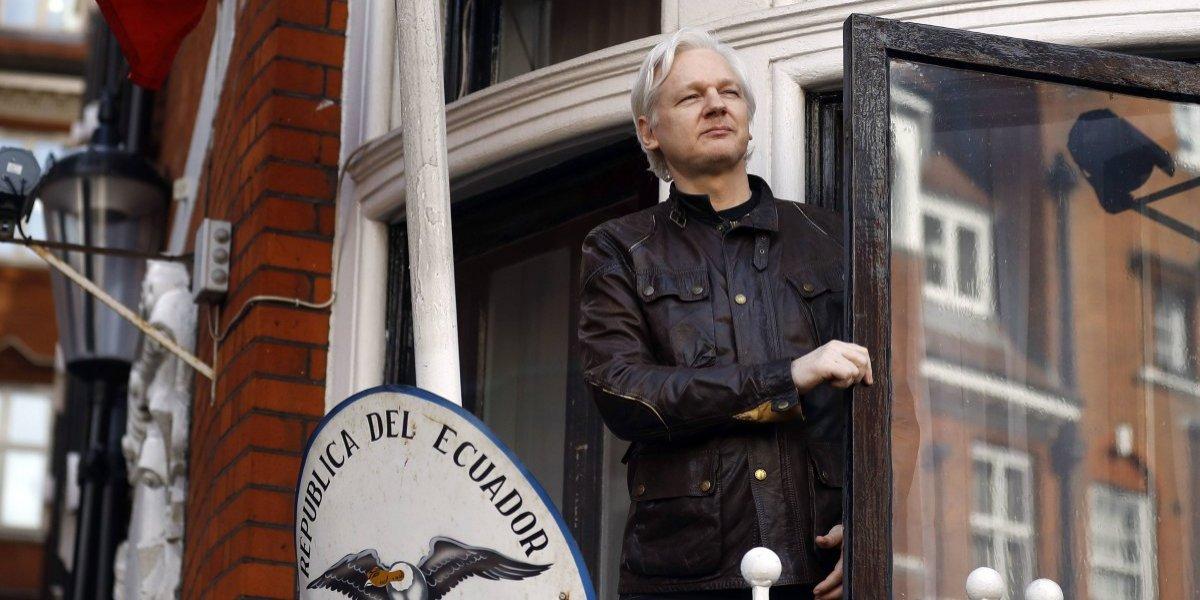 Ecuador otorga la ciudadanía a fundador de WikiLeaks