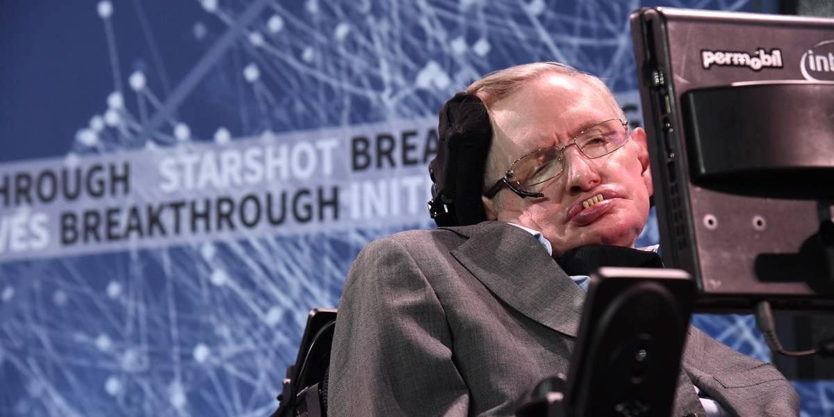Stephen Hawking completa 76 anos e todos querem saber 'o segredo por trás de sua longevidade'