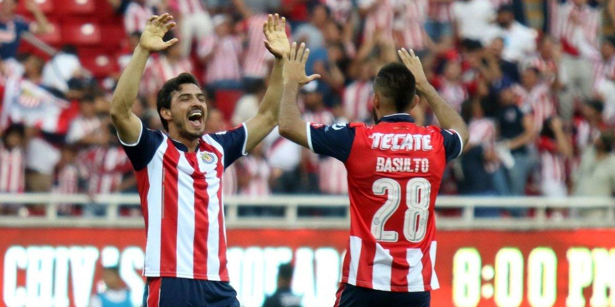 Alanís es convocado con Chivas; Michael Pérez fuera