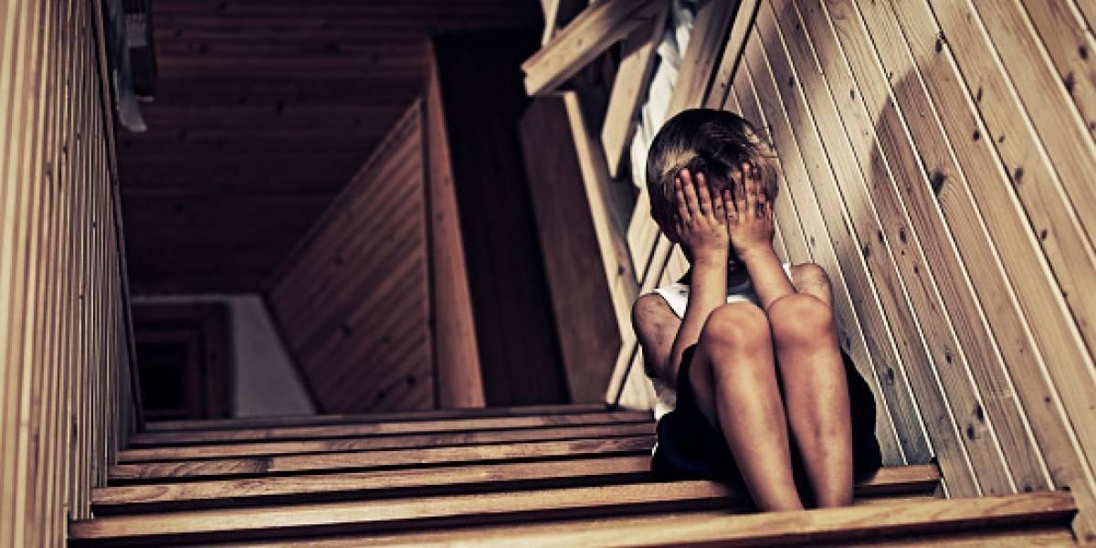 Madre ofrecía a su hijo de 9 años por internet para ser violado